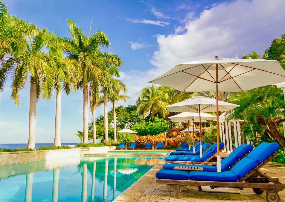 Poolside at Round Hill Resort
