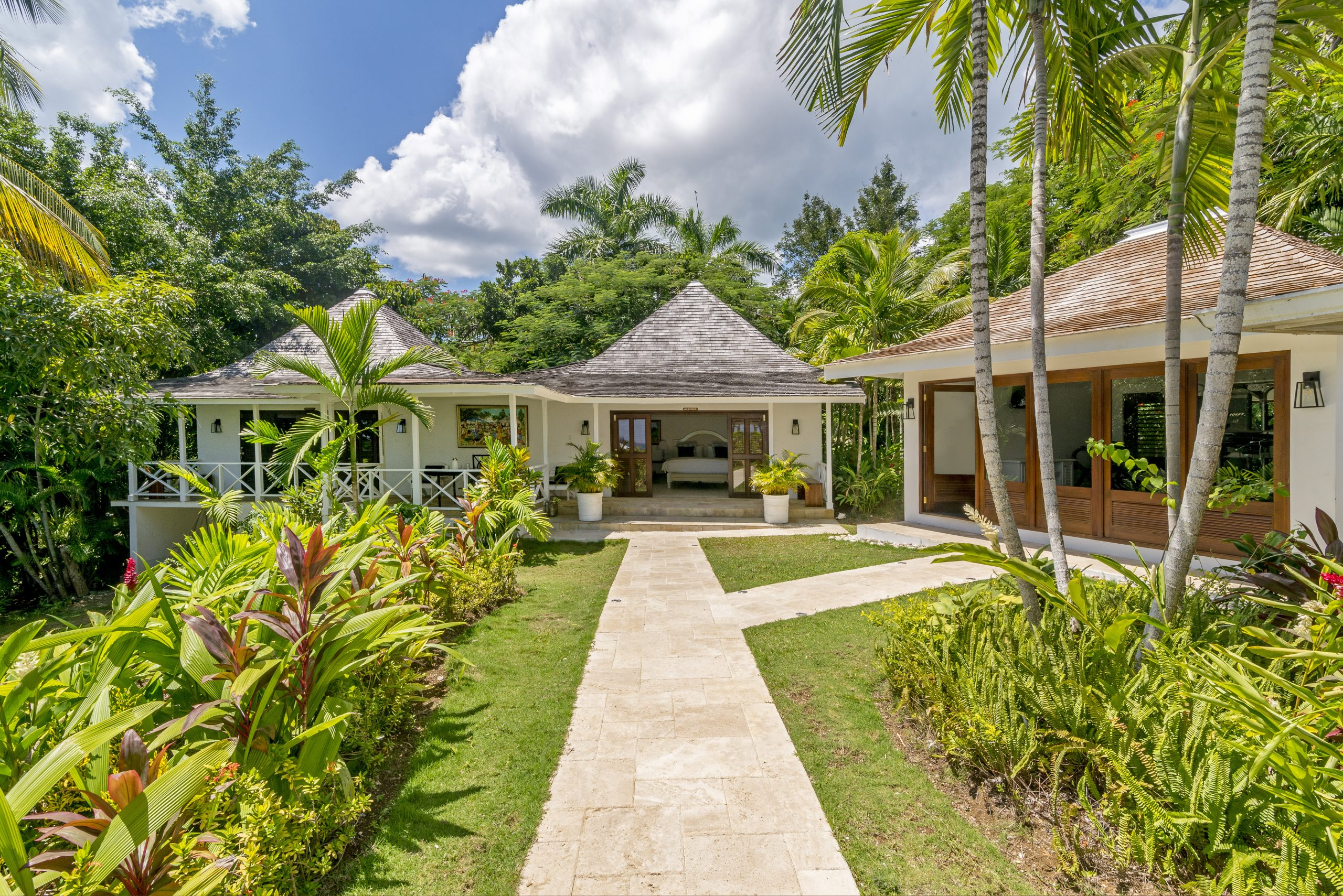 Coconut Cottage Suites
